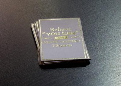 Δείγμα εκτύπωσης κάρτας σε ειδικό χαρτί και θερμοτυπία(χρυσοτυπία)