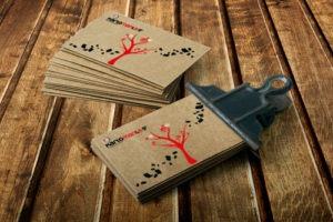 Επαγγελματικές κάρτες σε ανακυκλωμένο χαρτί (οικολογικό χαρτί).
