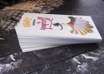Δείγμα εκτύπωσης λαμιναριστής κάρτας με 3 χαρτιά και τοπικό UV