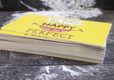 Λαμιναριστή κάρτα με 3 χαρτιά  (πάνω κάτω 350gr Velvet και στη μέση 380gr)