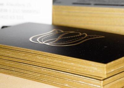 Λαμιναριστή κάρτα με χρυσό σόκορο