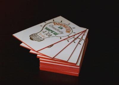 Δείγμα εκτύπωσης Λαμιναριστής κάρτας με 3 χαρτιά και βαμμένο σόκορο