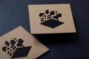 Επαγγελματικές κάρτες σε οικολογικό χαρτί με κοπή laser