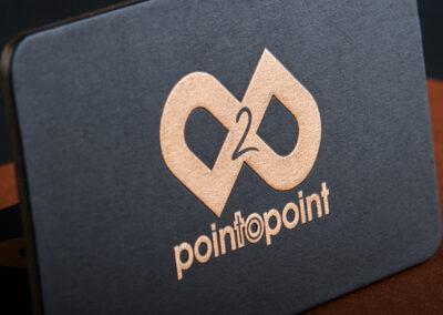 Λαμιναριστή κάρτα με αναγλυφοτυπία και 1 Pantone